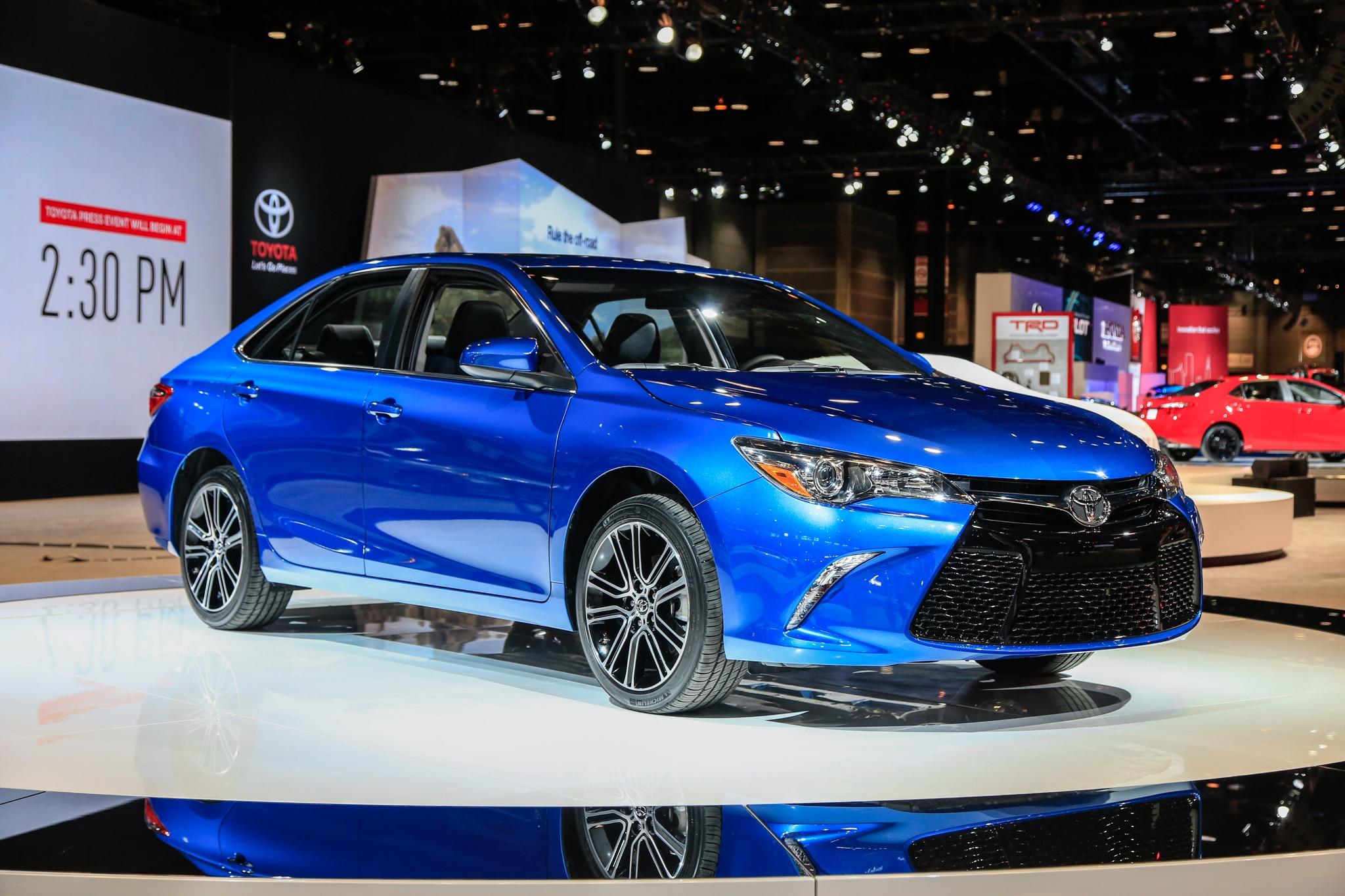 2016 Toyota Camry SE Special Edition Front Three Quarter