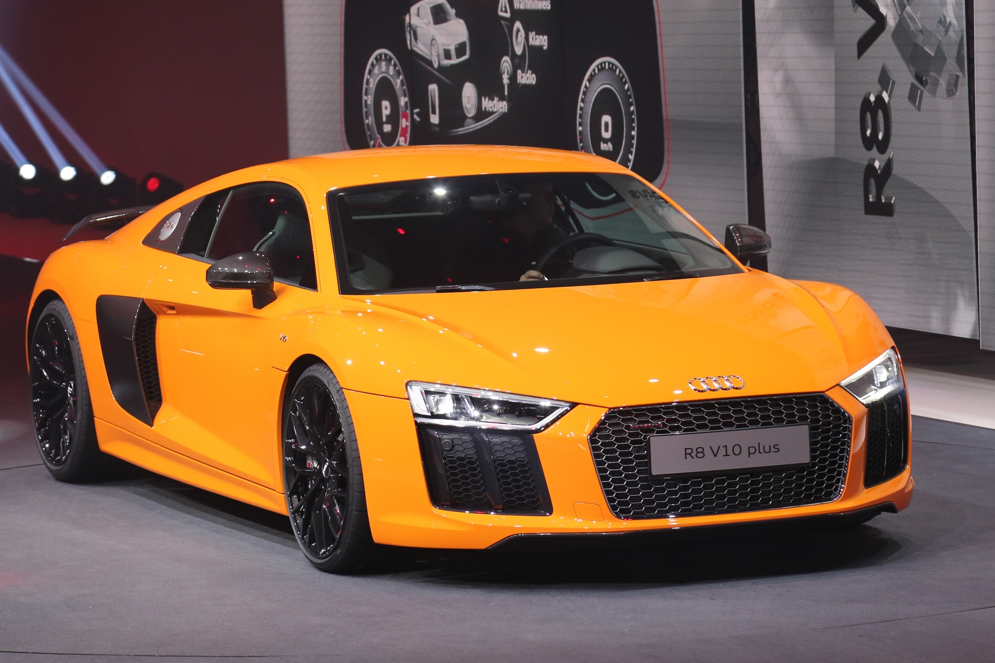Next Gen Audi R8 V10 Revealed R8 E Tron Announced For Geneva