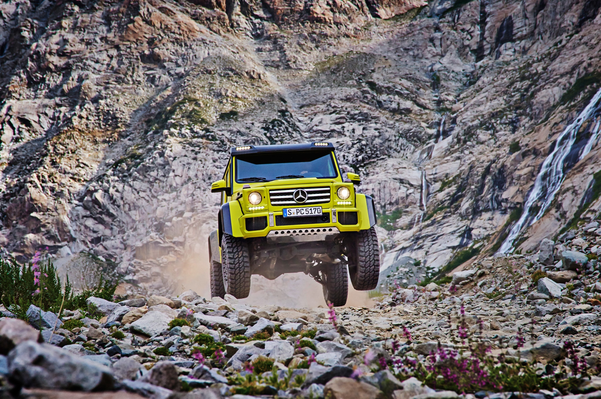 Mercedes Benz G500 4x4 Squared Front End1