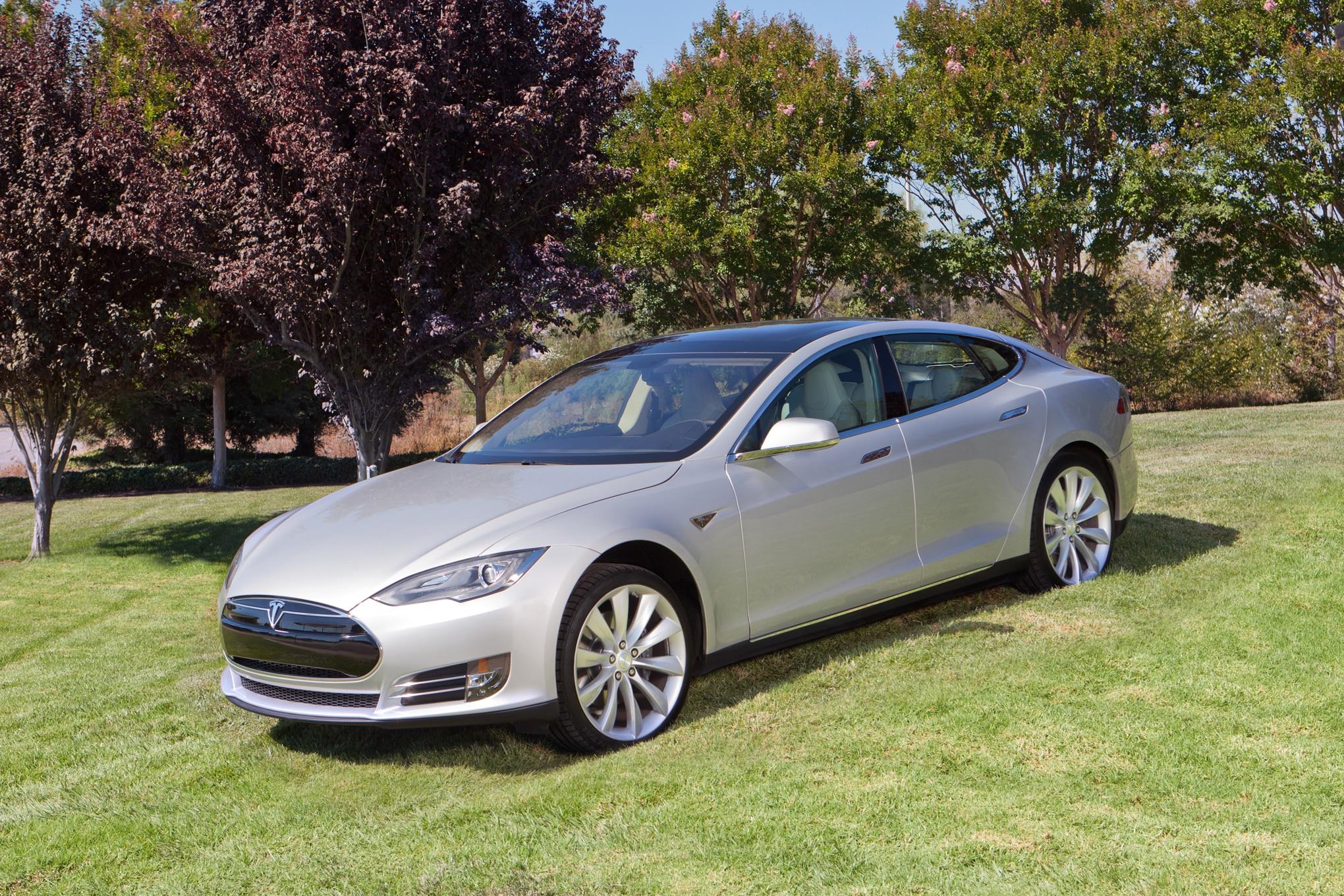 2014 Tesla Model S Silver