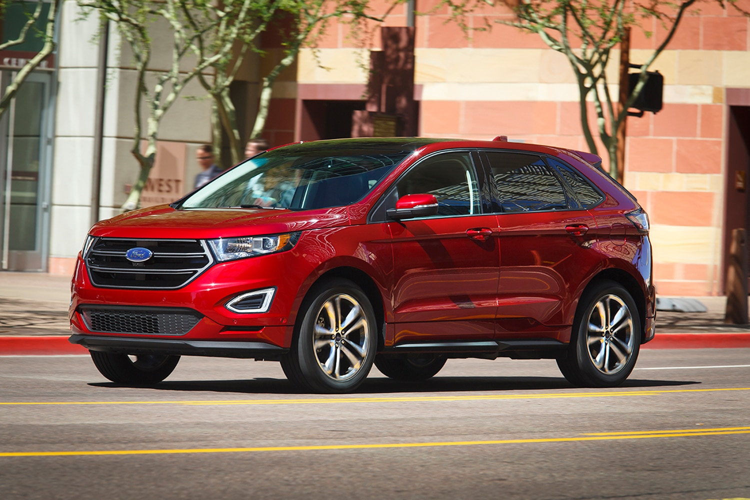 Ford Edge Front Three Quarter In Motion