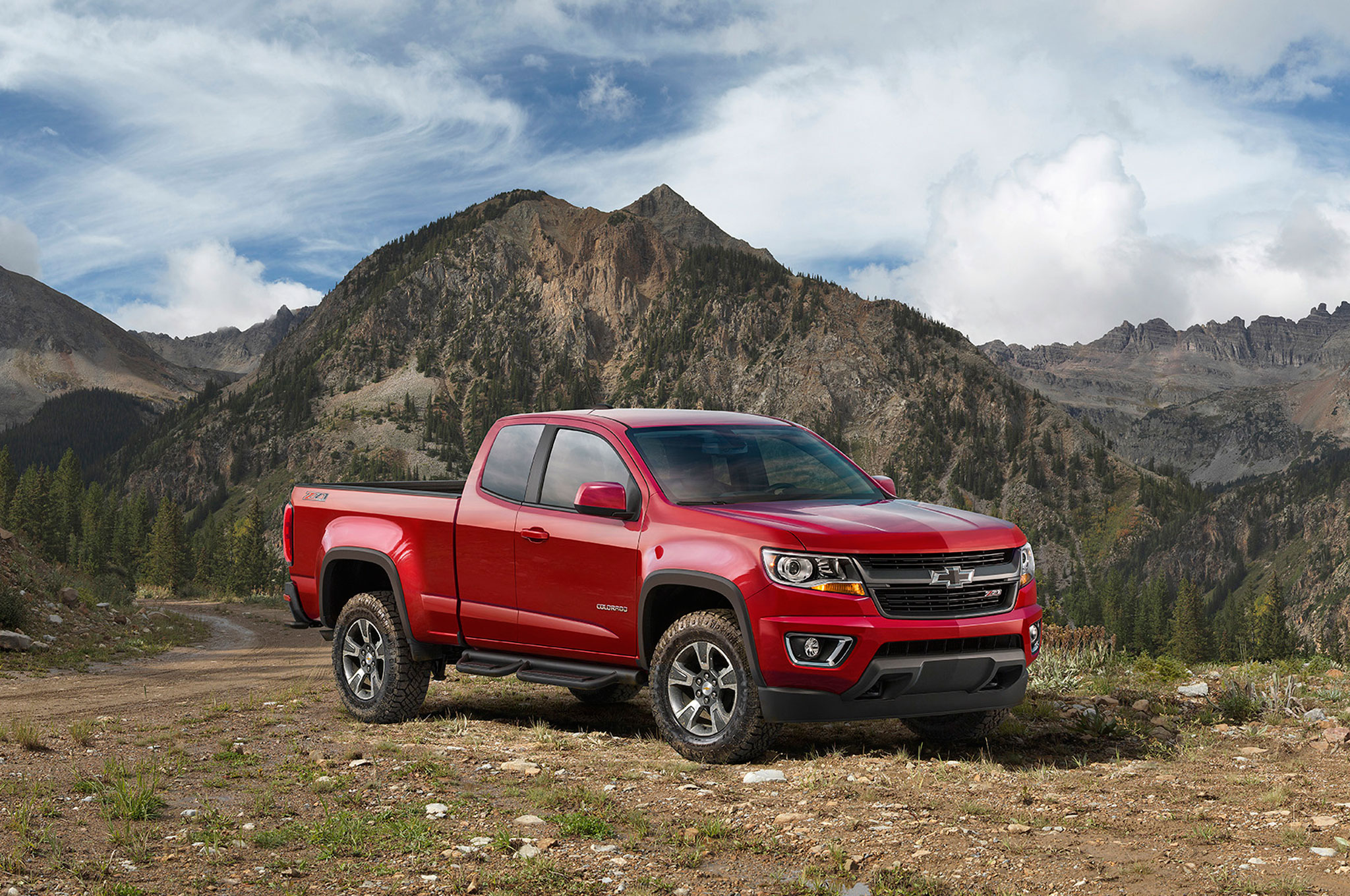 2015 Chevrolet Colorado Z71 Trail Boss Front Mountains1