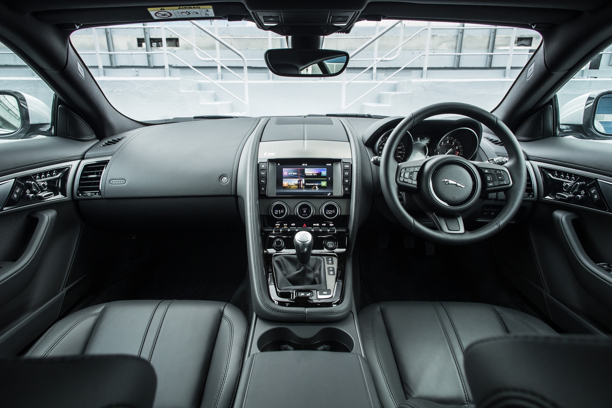2016 jaguar f type with 6 speed manual review rh automobilemag com jaguar manual transmission cars jaguar manual transmission 2018