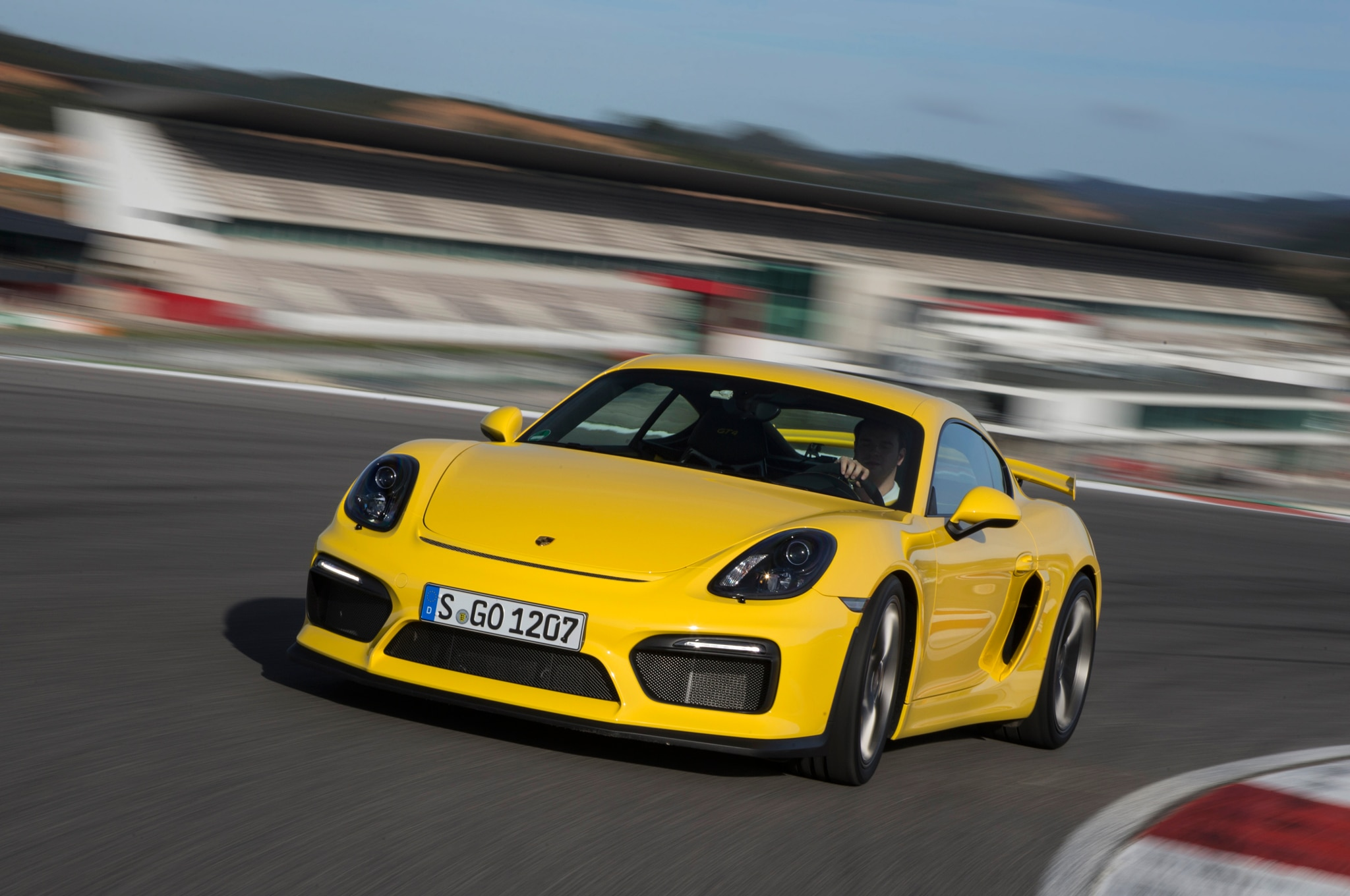 2016 Porsche Cayman GT4 Front Three Quarter Turn