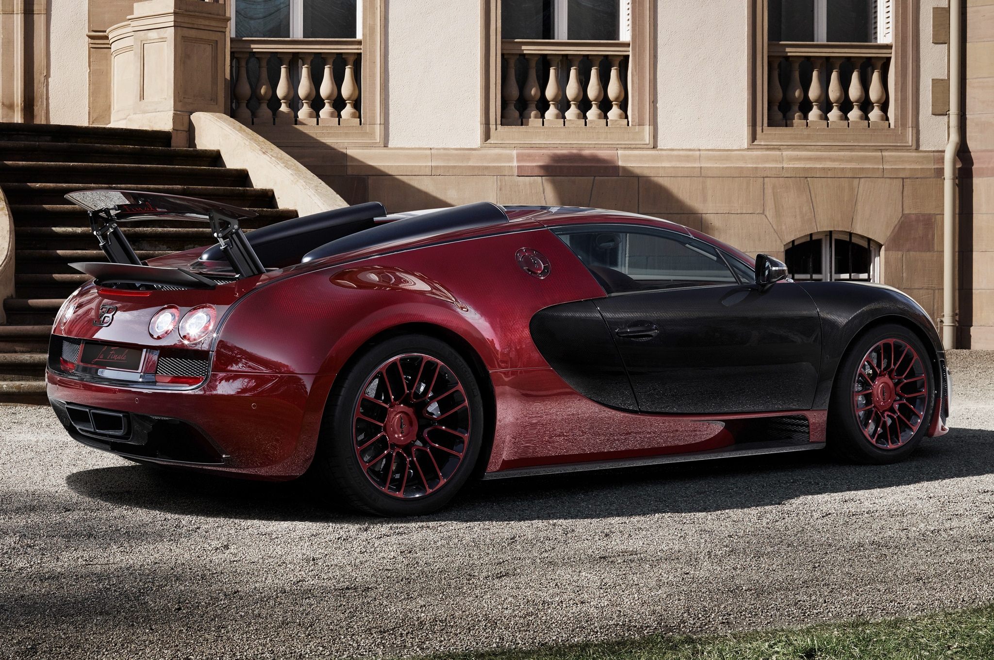 Bugatti Bids Farewell to Veyron with One-off La Finale Edition