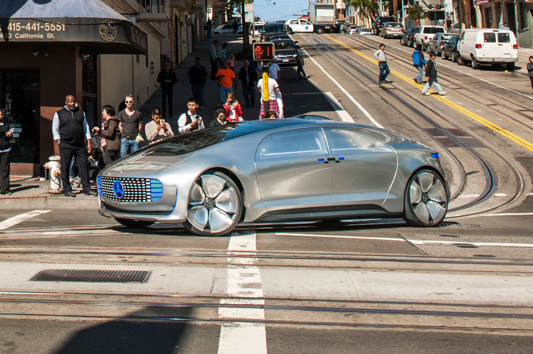 Mercedes F 015 >> Riding In The Mercedes Benz F 015 Luxury In Motion Concept Automobile