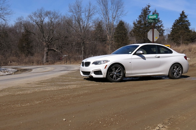 2014 BMW M235i Front Three Quarter 03