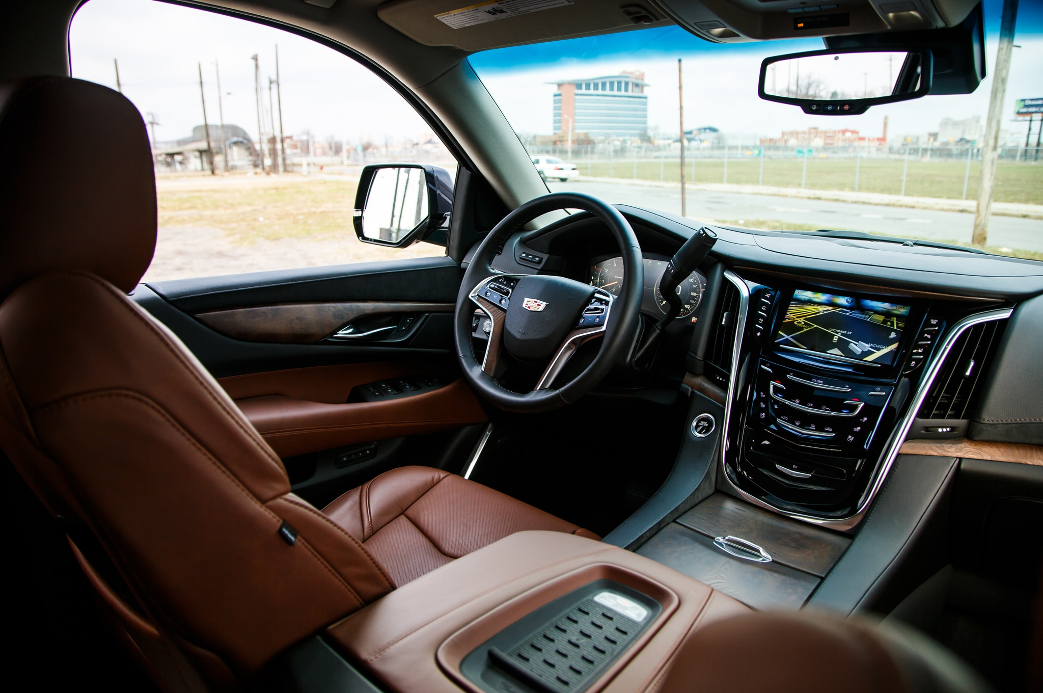 2015 Cadillac Escalade Vs 2015 Lincoln Navigator Comparison