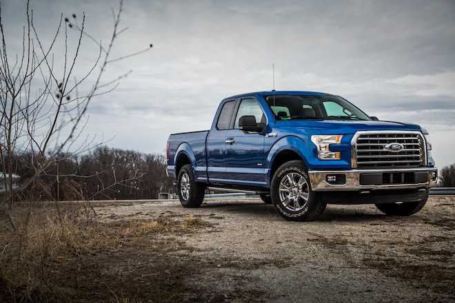 2015 Ford F 150 XLT Supercab 27 EcoBoost Front Three Quarter 03