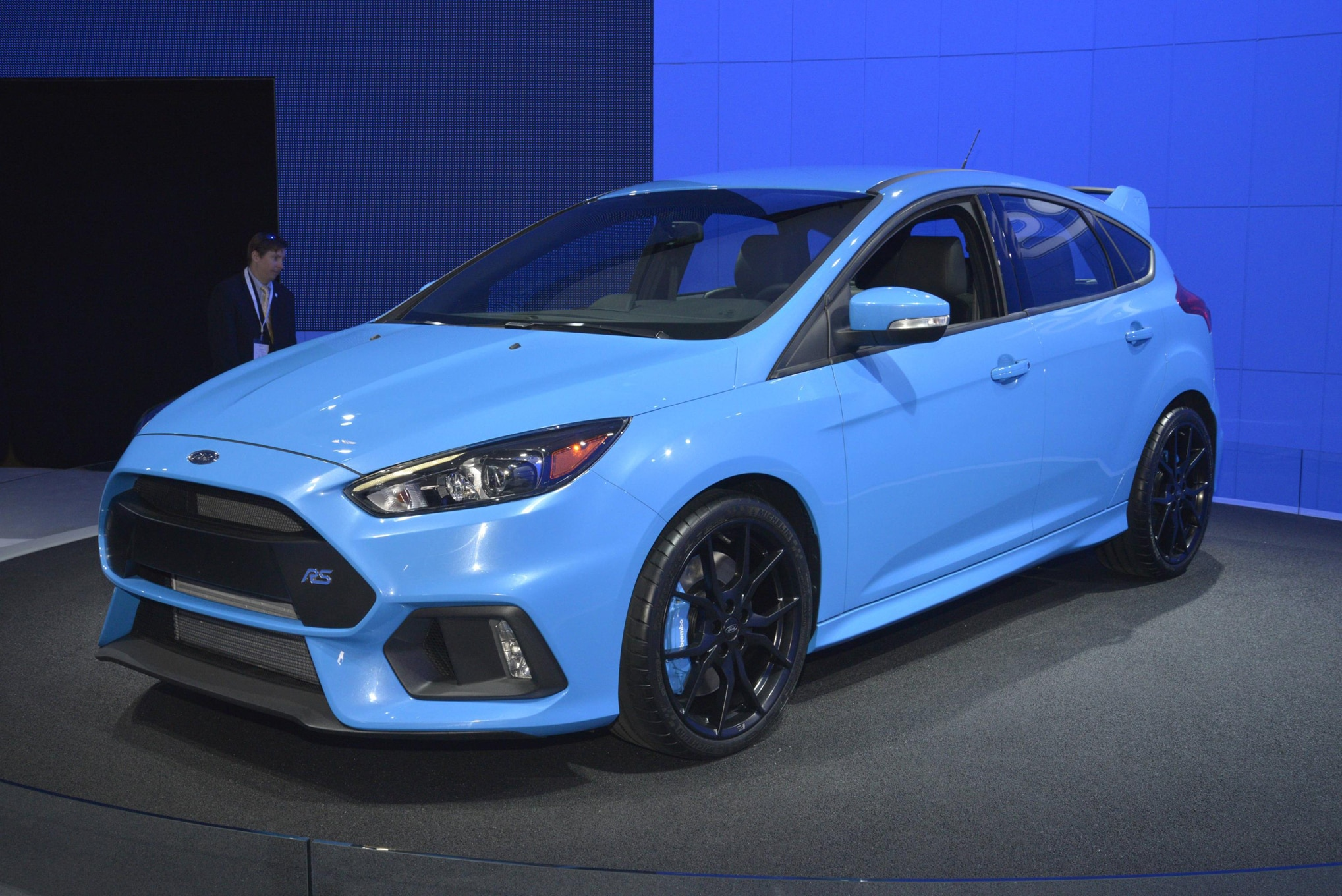 6 cool things about the ford focus rs. Black Bedroom Furniture Sets. Home Design Ideas