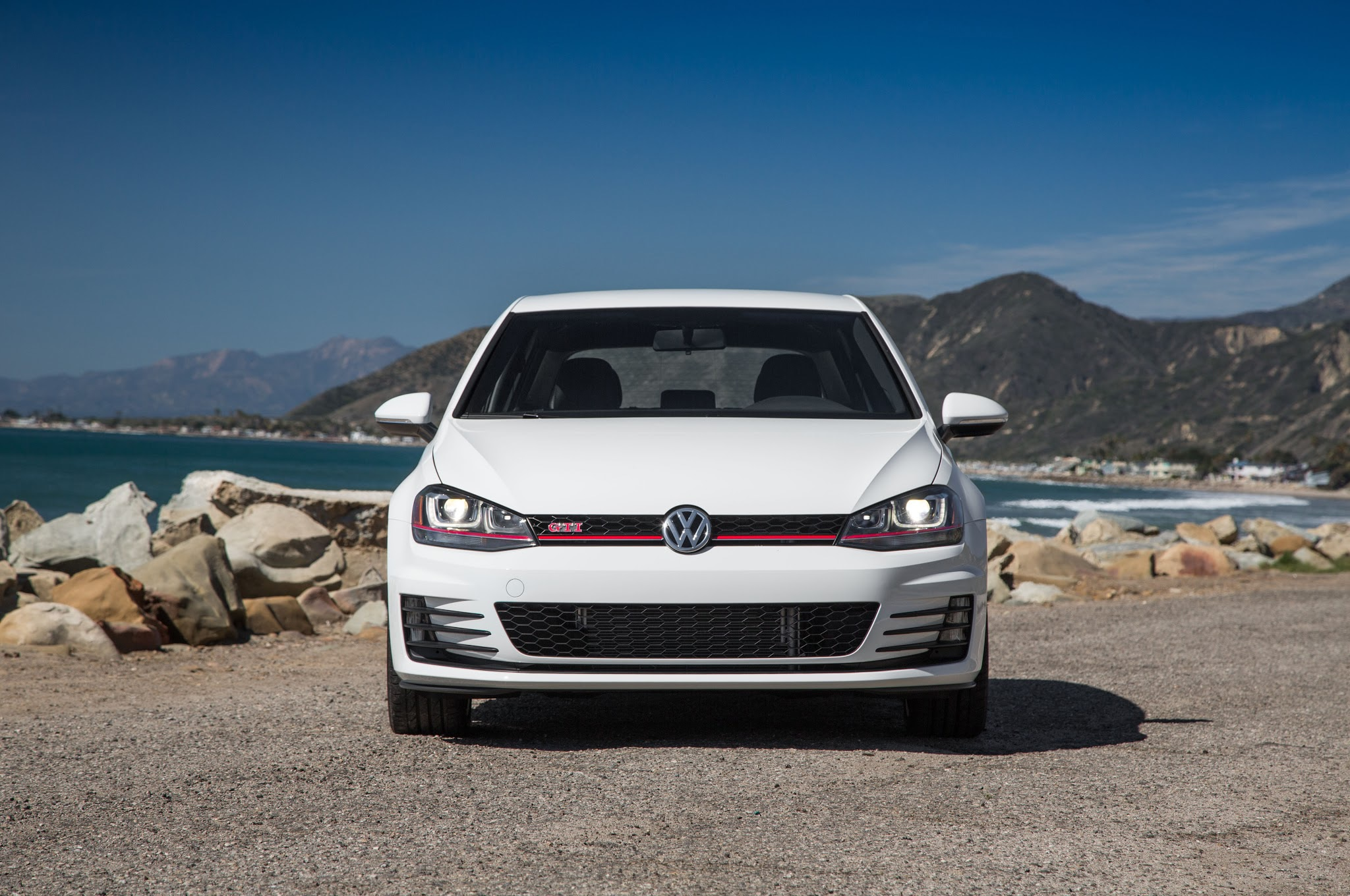 2015 Volkswagen Golf GTI - Manual or DSG?