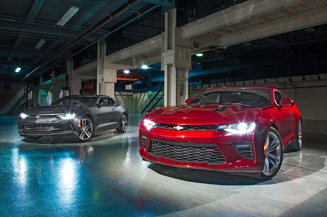 2016 Chevrolet Camaro SS And RS Front Three Quarter 01