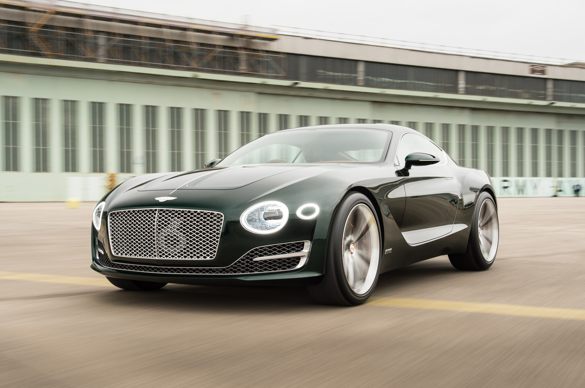 By Design: Bentley EXP 10 Speed 6 Concept | Automobile Magazine