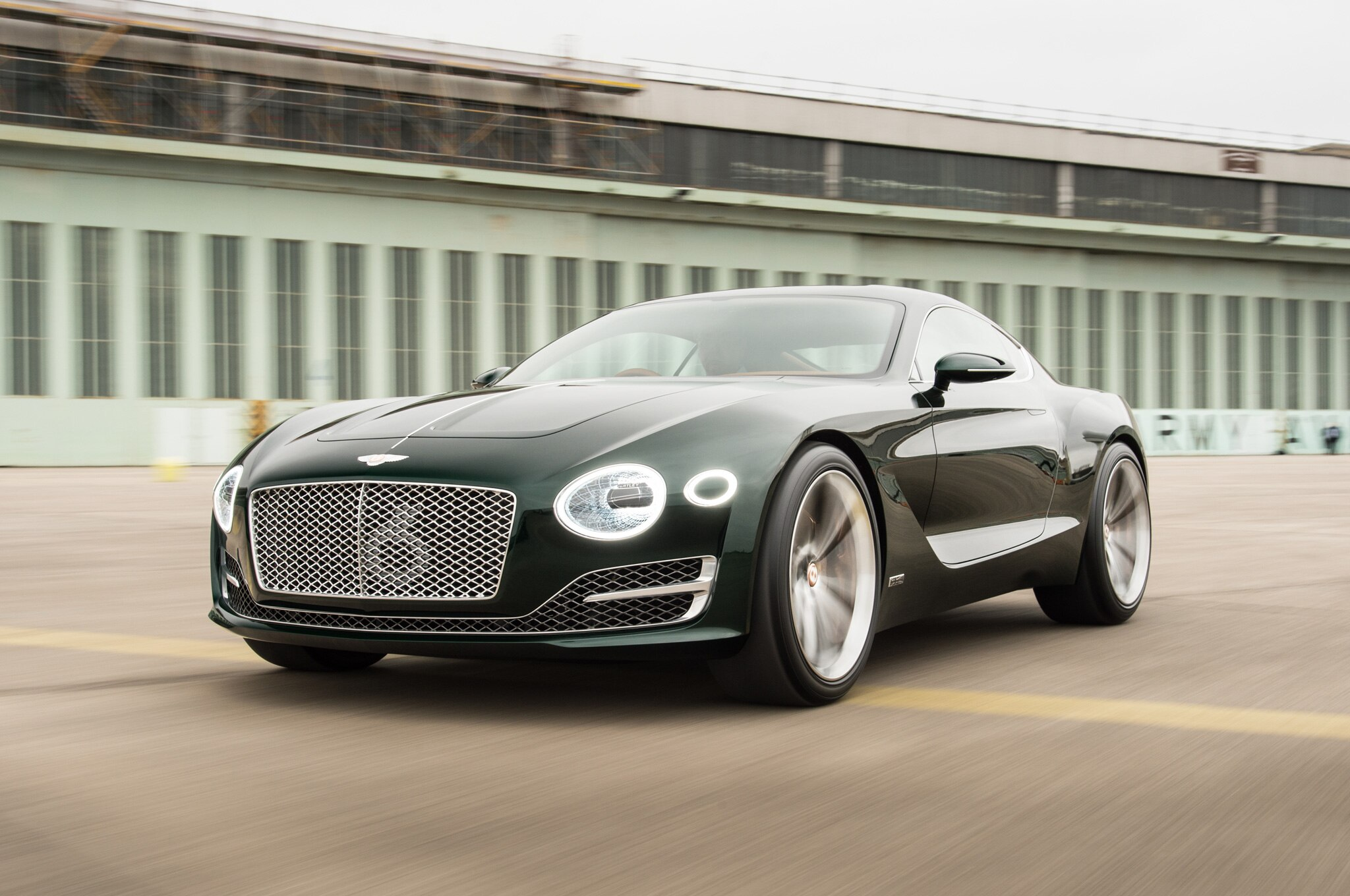 Bentley EXP 10 Speed 6 Concept Front Three Quarter In Motion 07