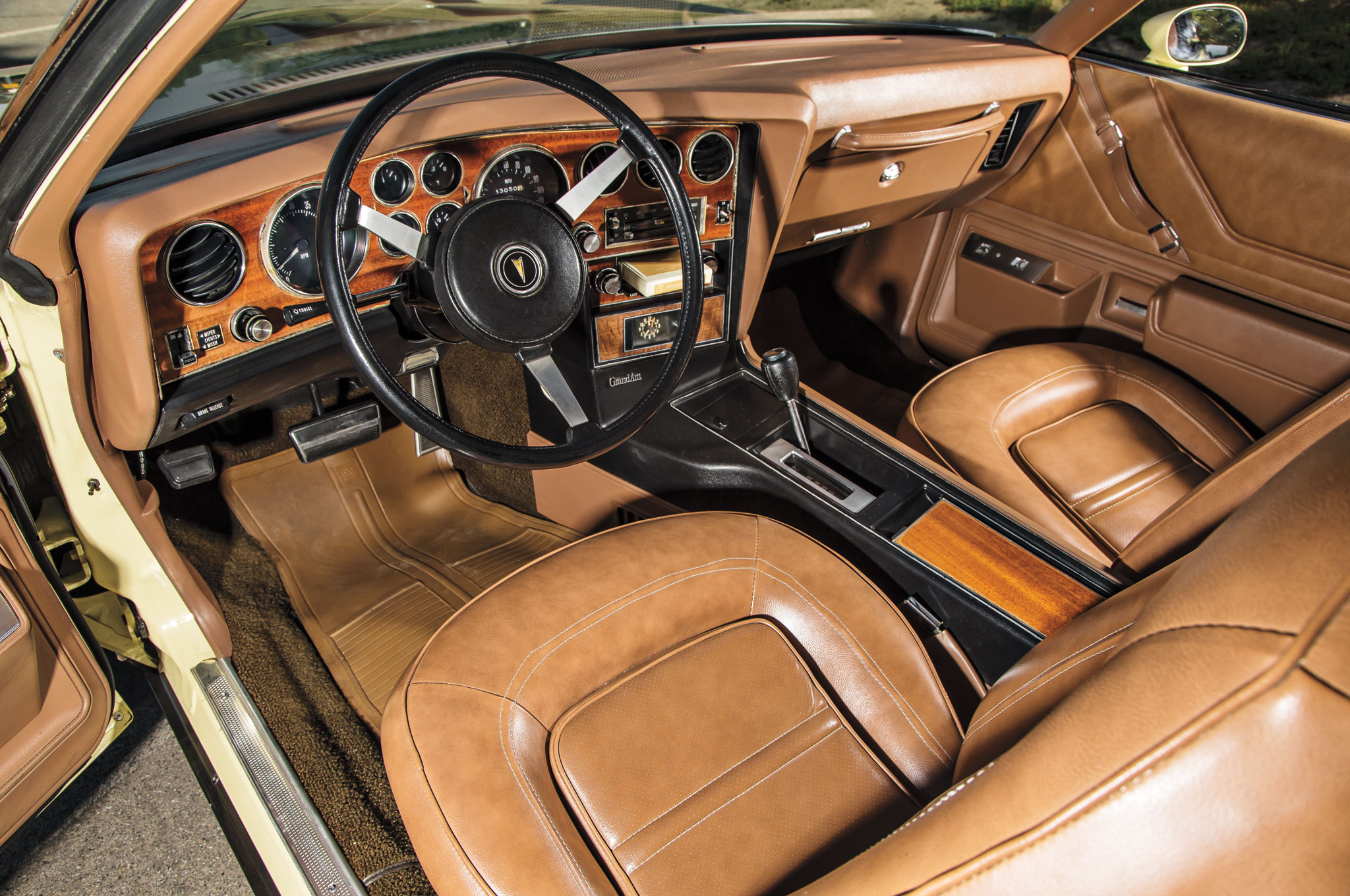 The Grand Am's glamorous interior heralded the start of the era of the personal luxury car.
