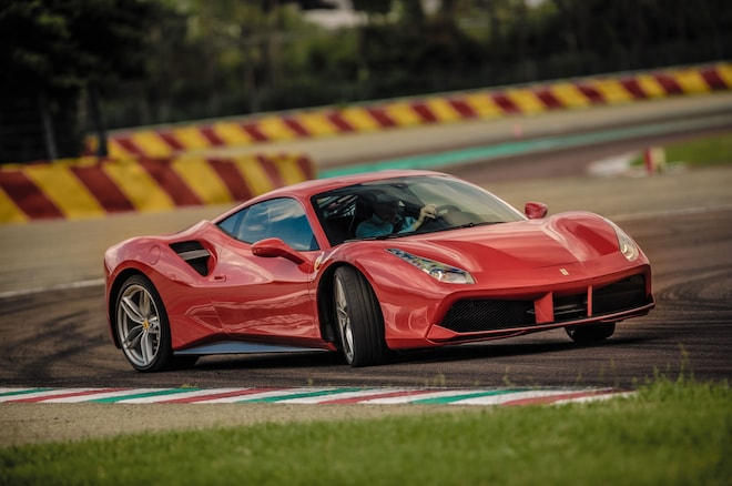 2016 Ferrari 488 GTB Front Three Quarter 01