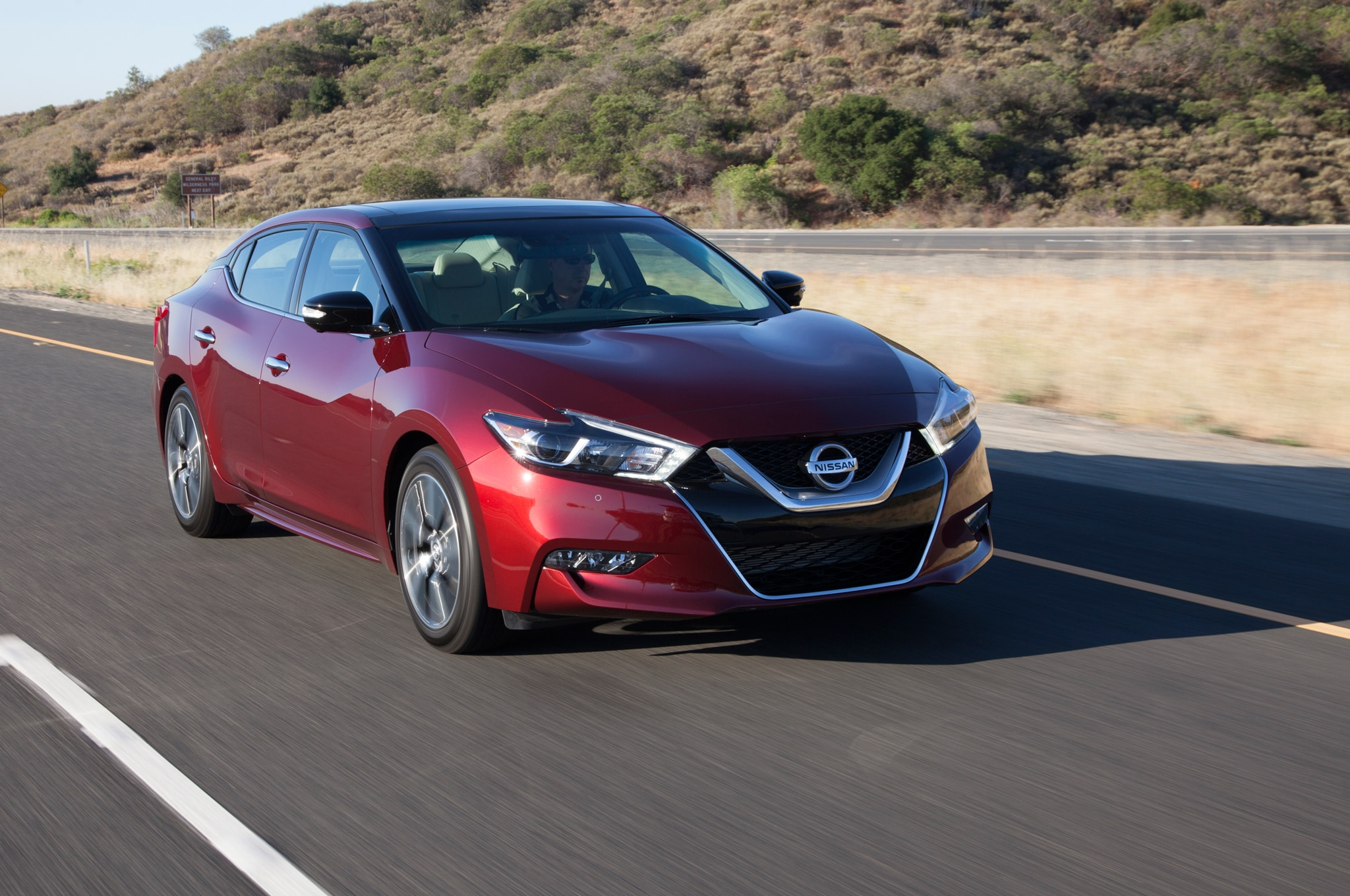 2016 Nissan Maxima Platinum Front Three Quarter In Motion