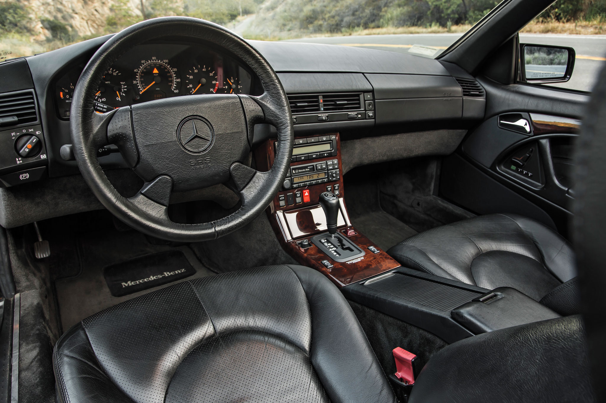When the fourth-generation SL (known by its engineering code, R129) came to  market in the U.S. as a 1990 model, longtime Benz design chief Bruno Sacco  ...