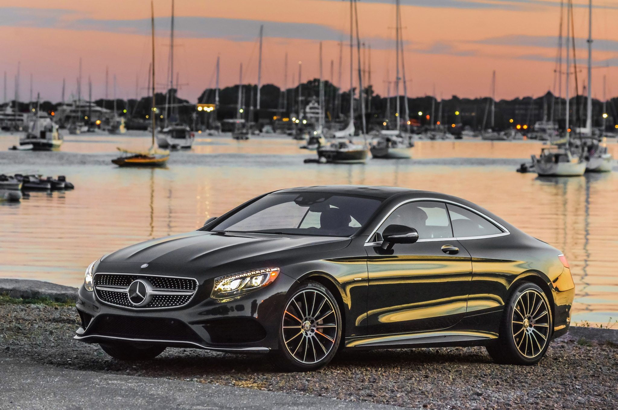 https://st.automobilemag.com/uploads/sites/11/2015/07/2015-Mercedes-Benz-S550-4Matic-Coupe-front-three-quarter-04.jpg