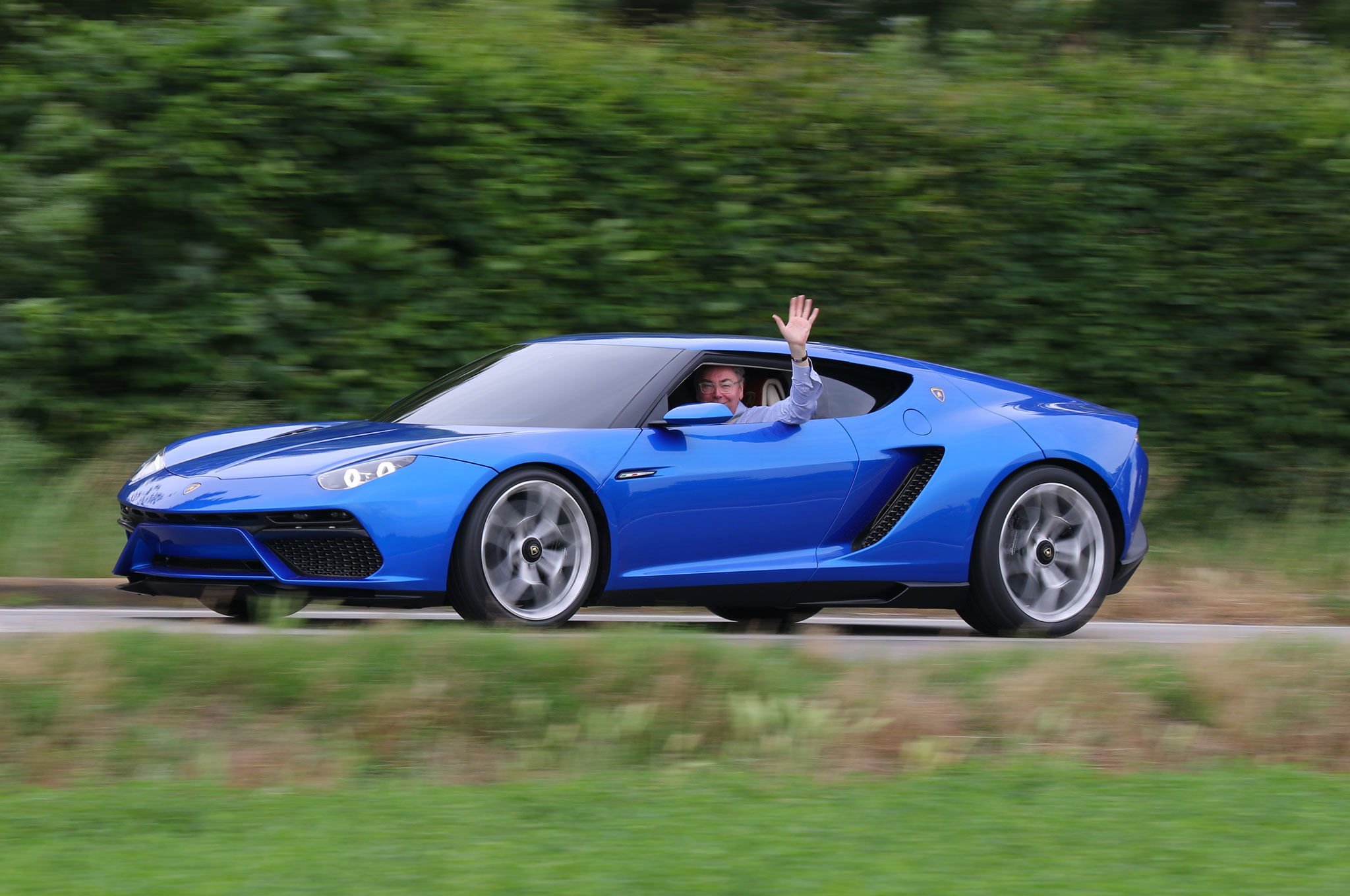 A Deafening Silence Lamborghini Asterion Lpi 910 4