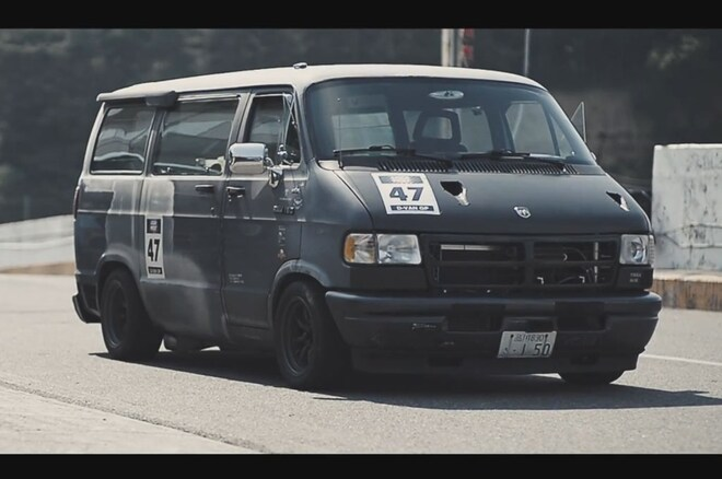 Dodge Ram Van Racing Japan Right Front Angle1