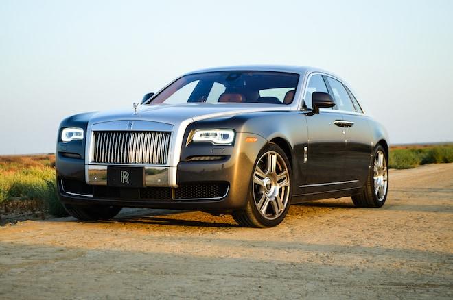 2015 Rolls Royce Ghost Front Three Quarter 02