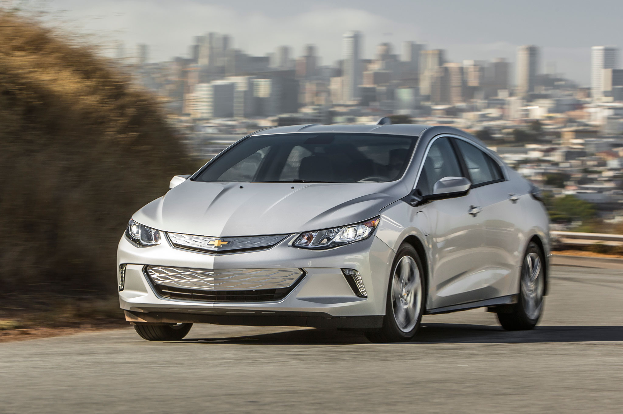 Charging Ahead 2016 Chevrolet Volt Review Chevy Car 1 30