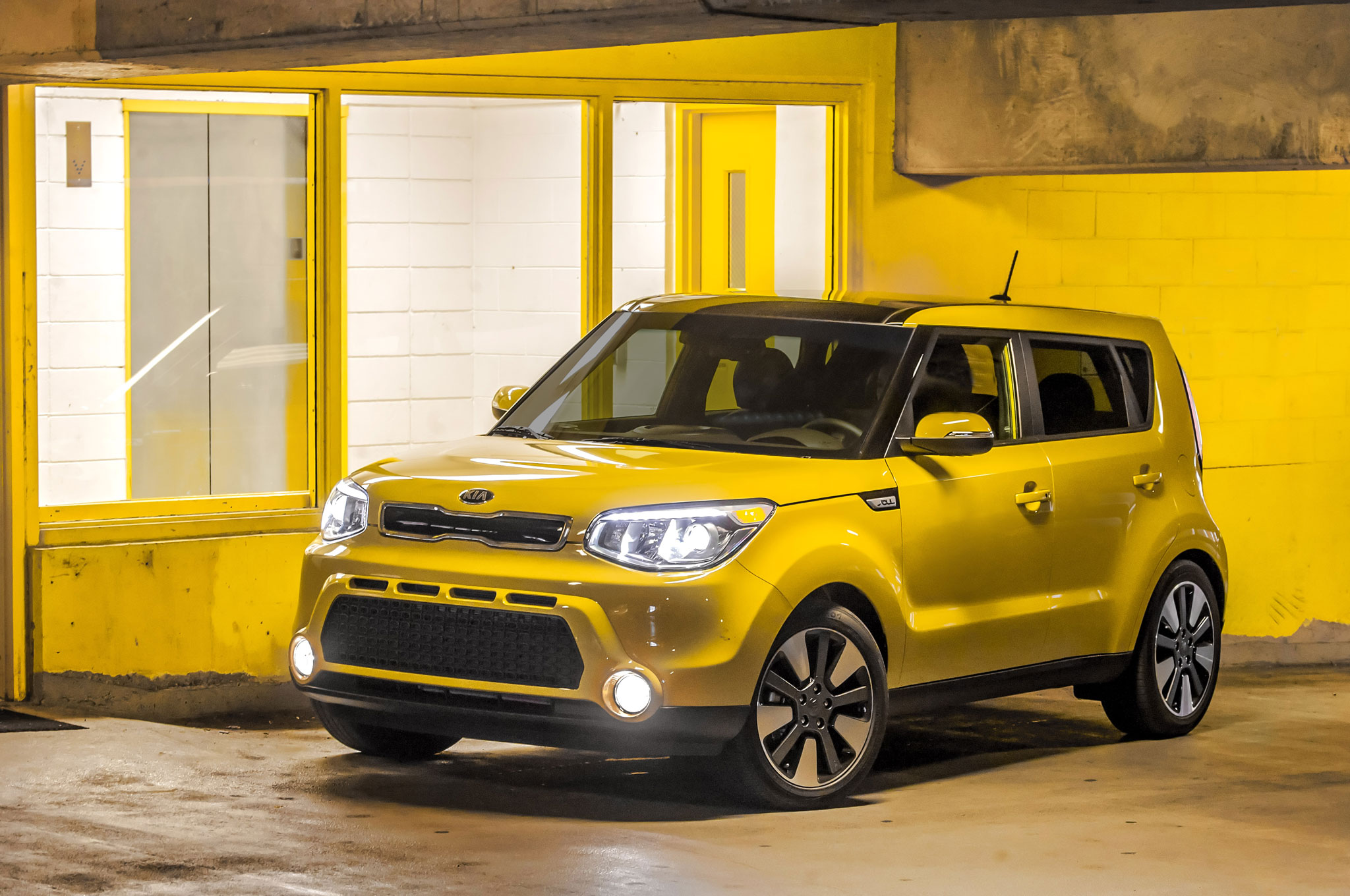 2016 kia soul adds new standard features  updated packages