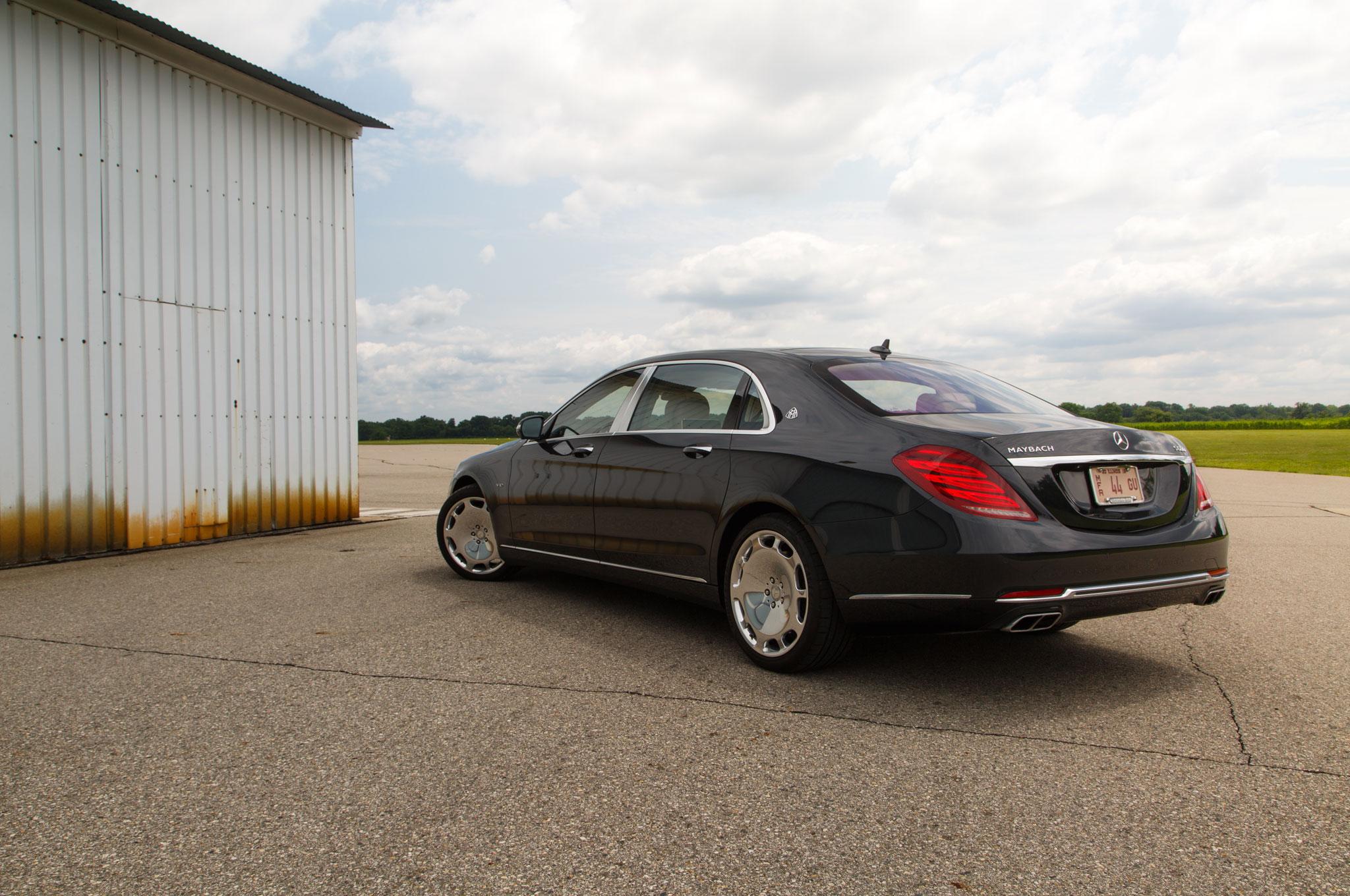 https://st.automobilemag.com/uploads/sites/11/2015/08/2016-Mercedes-Maybach-S600-rear-three-quarter-04.jpg