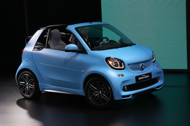 2017 Smart Fortwo Cabriolet Front Three Quarter 02