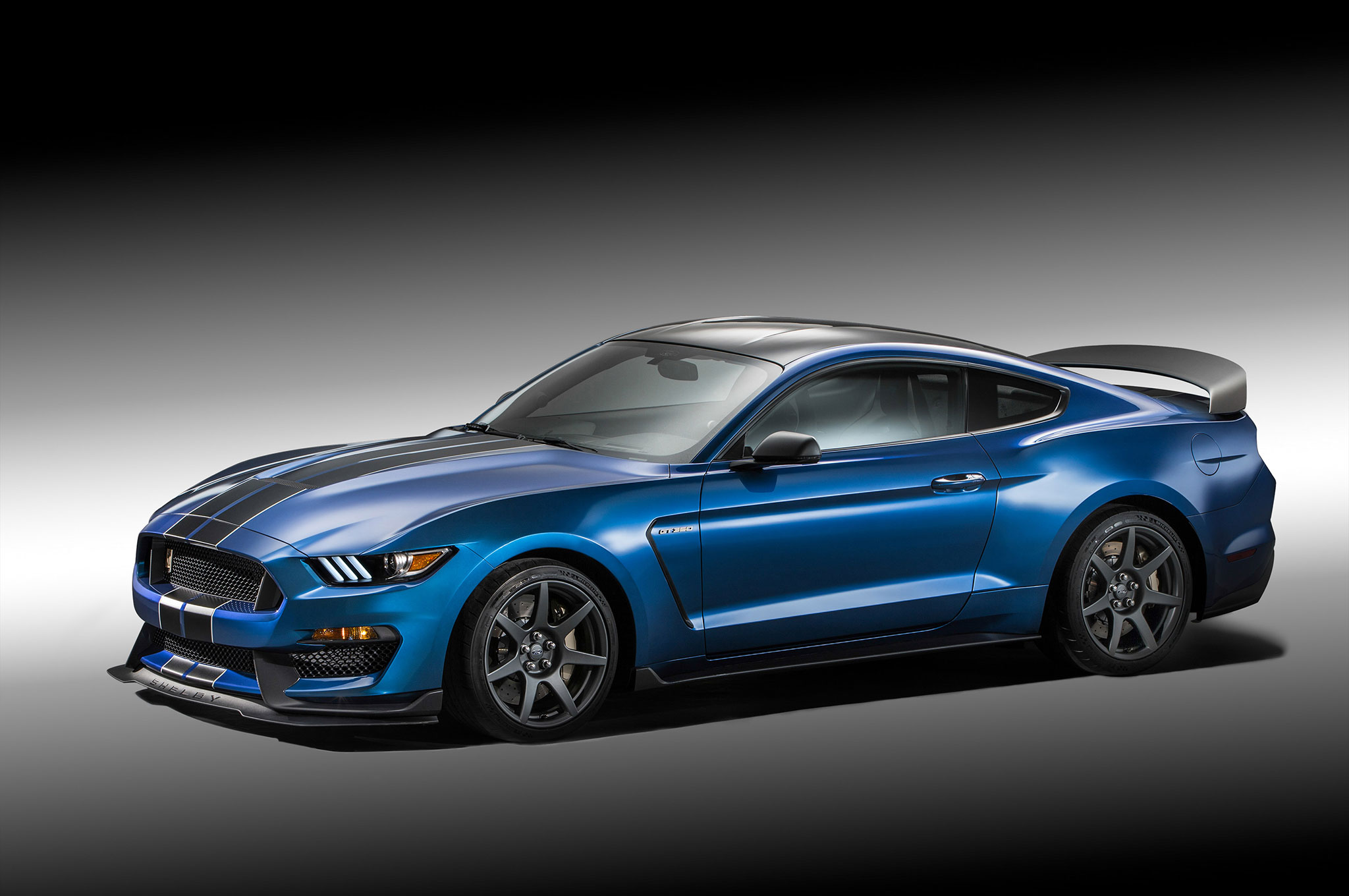 Ford Shelby GT350R Mustang Front Three Quarter2