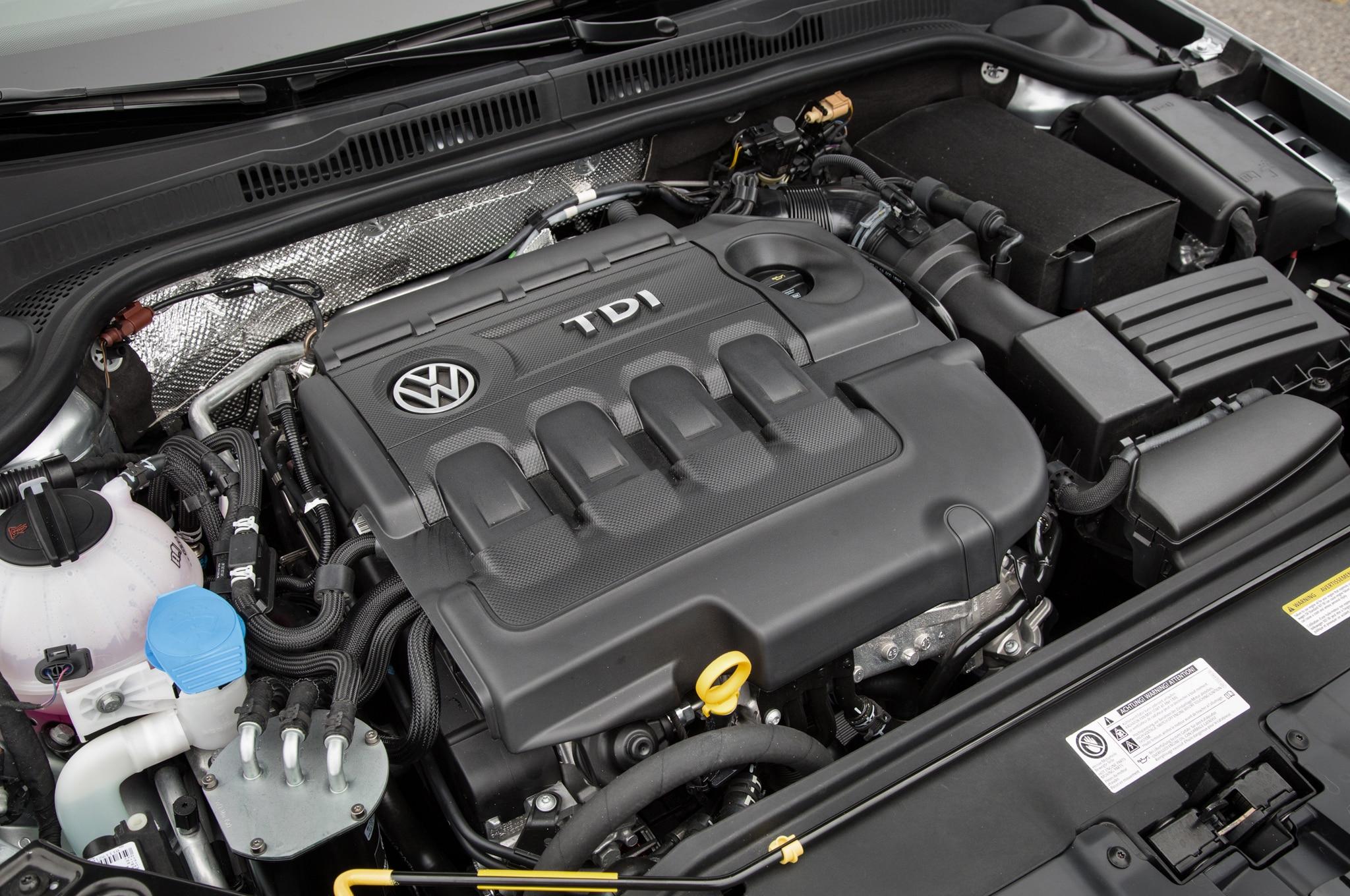 2015 Volkswagen Jetta TDI Engine1