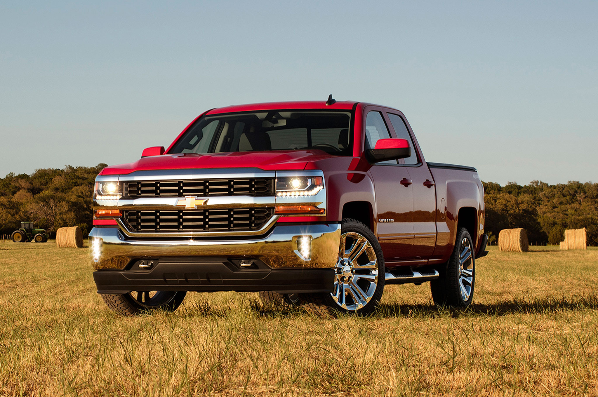 2016 Chevrolet Silverado Offers 8-Speed Automatic with 5.3-Liter V-8