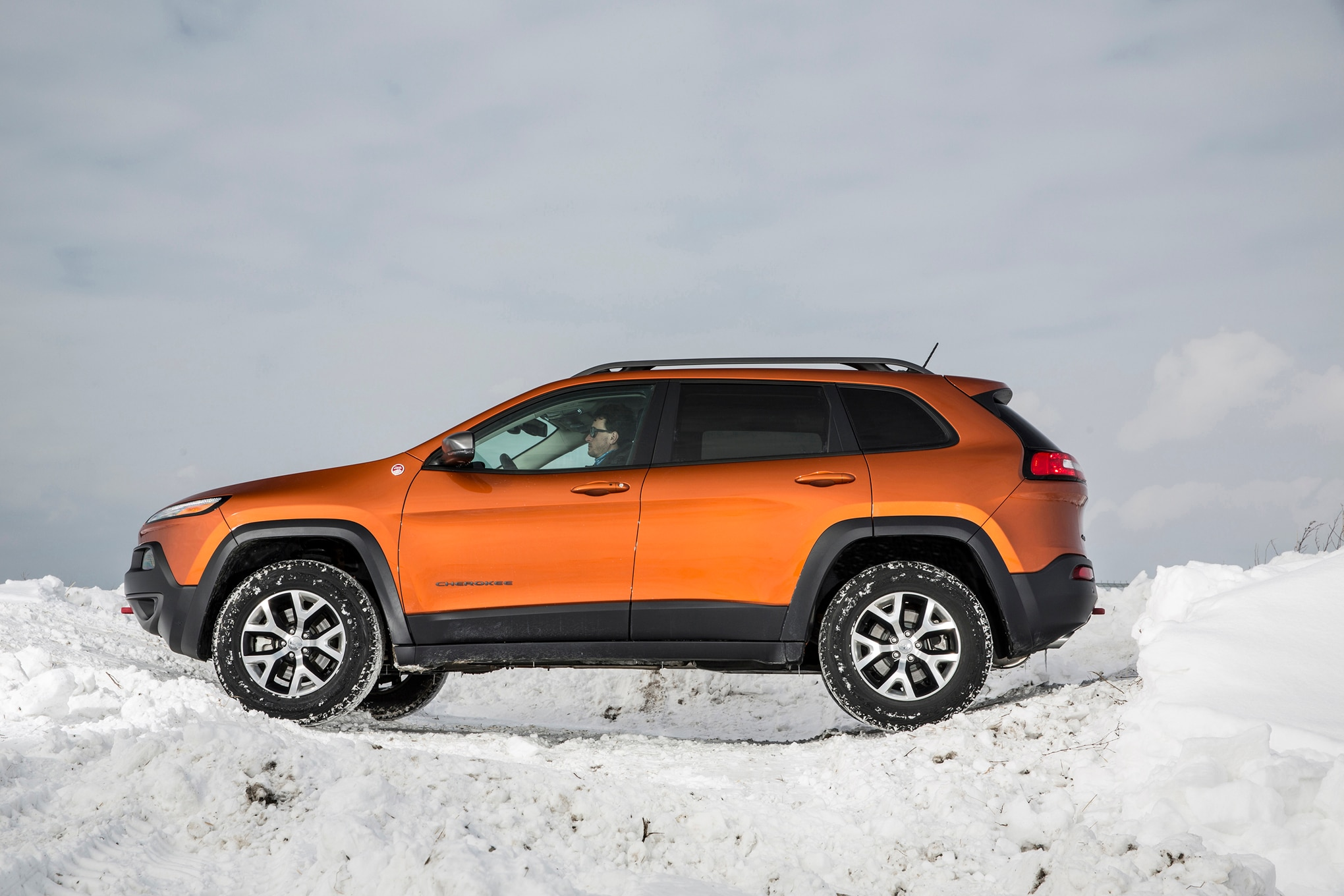 Jeep Cherokee Altitude >> Jeep Renegade, Cherokee, Compass, and Patriot Updated for 2016