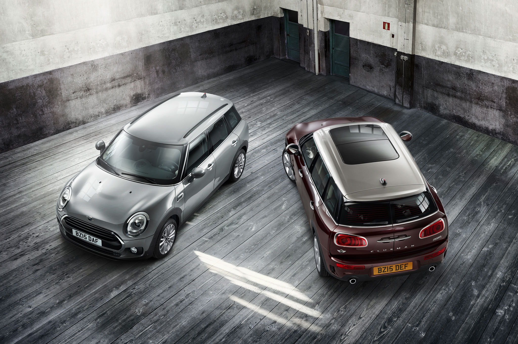 2016 Mini Clubman Front And Rear View From Above1