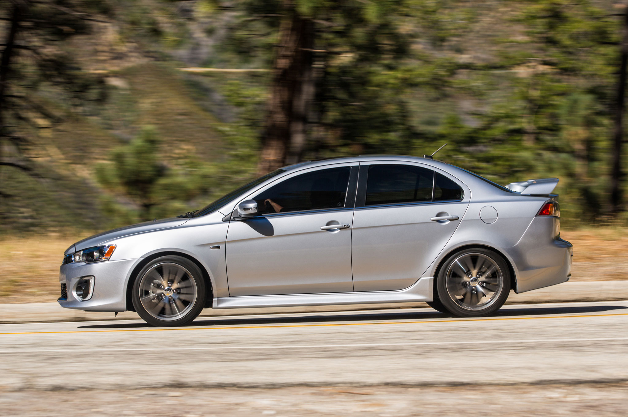 2016 Mitsubishi Lancer Gets New Look, Drops Ralliart Turbo