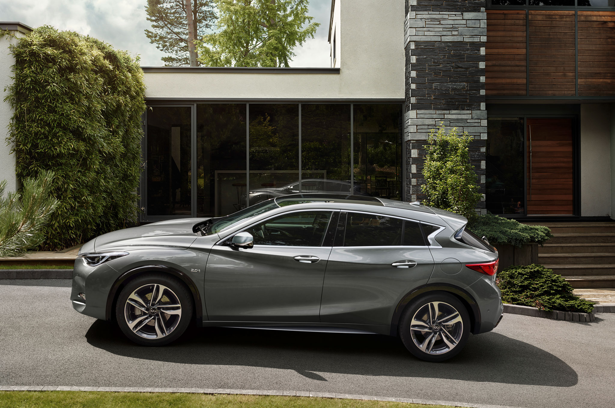 2017 Infiniti Q30 Is The Luxury Brand S First Compact Hatchback
