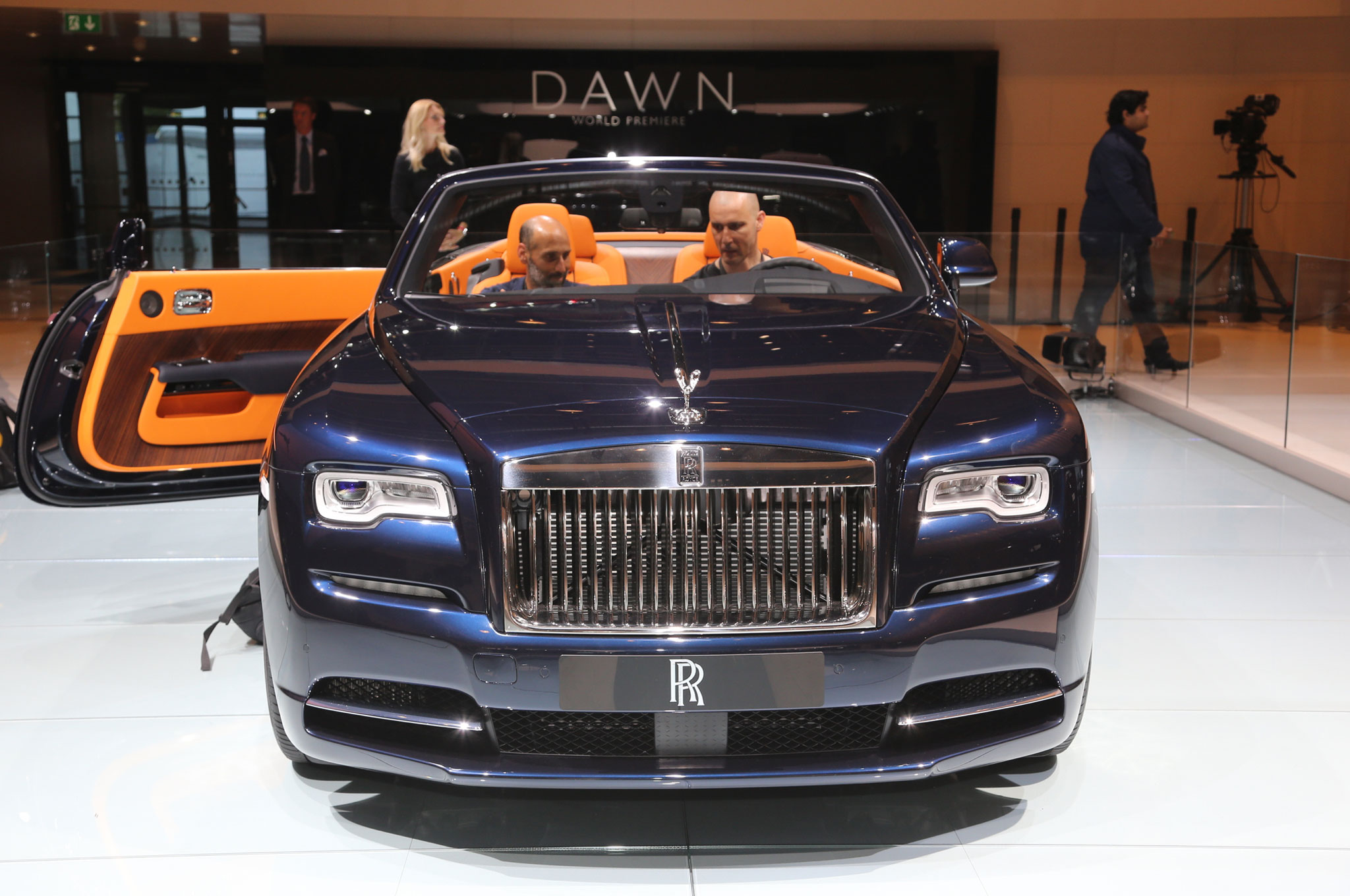 2017 Rolls Royce Dawn Brings Open Top Ultra Luxury To