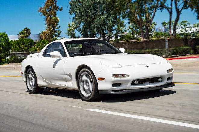 1993 1995 Mazda RX 7 Front Three Quarter In Motion