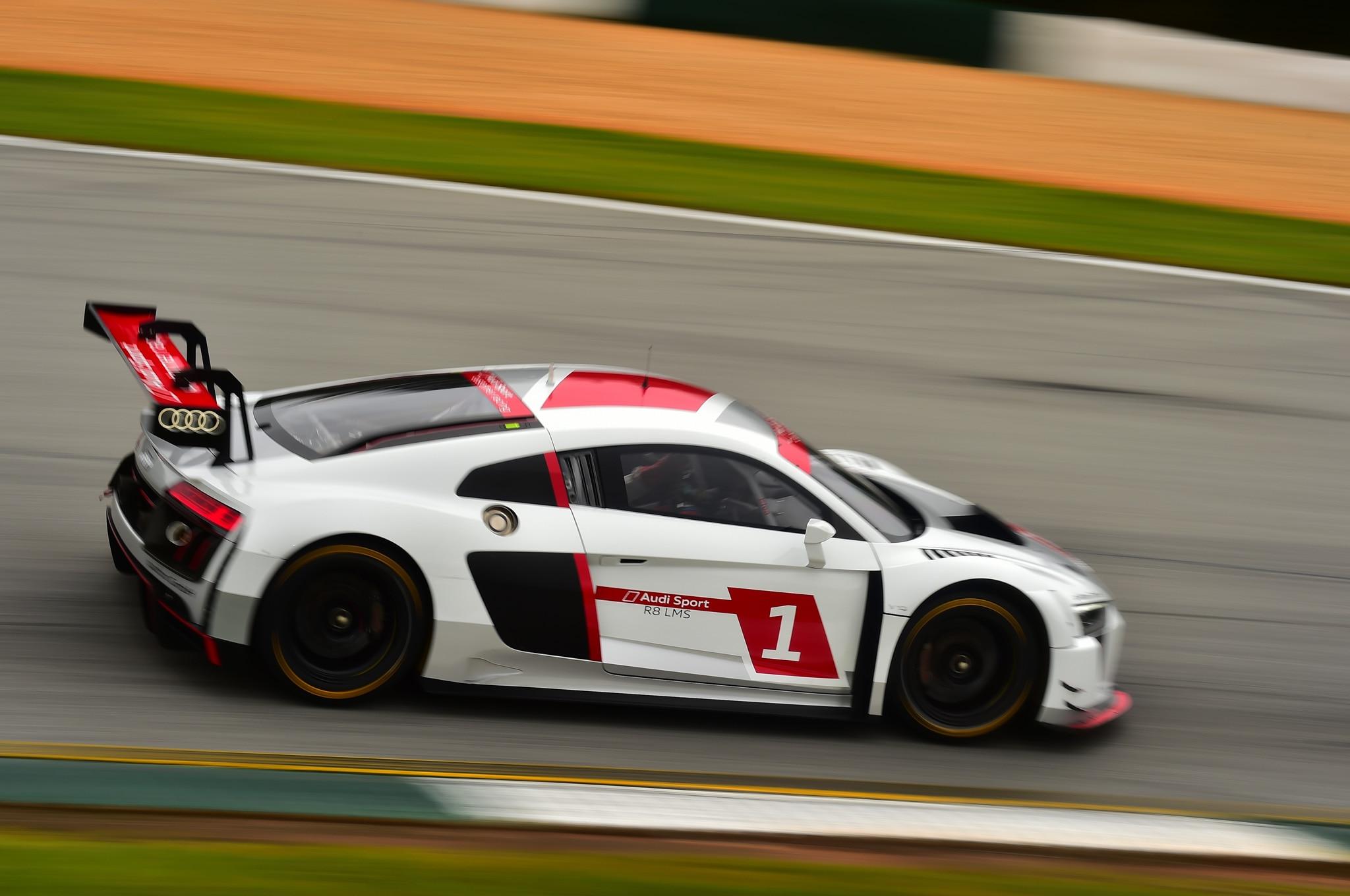 Audi R LMS Review - Audi r8 lms