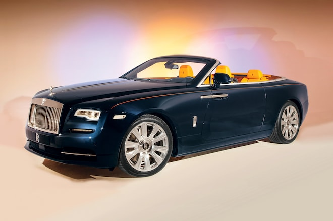 2016 Rolls Royce Dawn Front Three Quarter 011