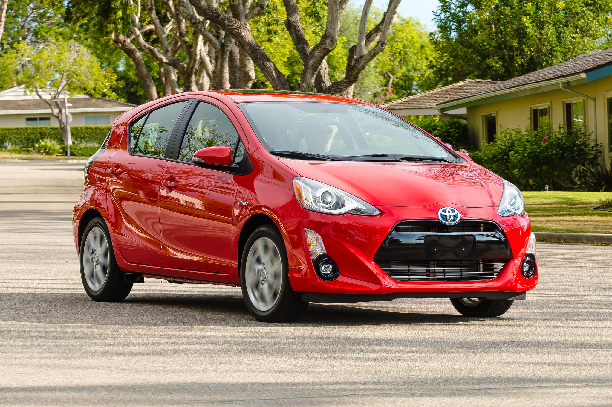 2016 Toyota Prius C Adds Persona Series Special Edition