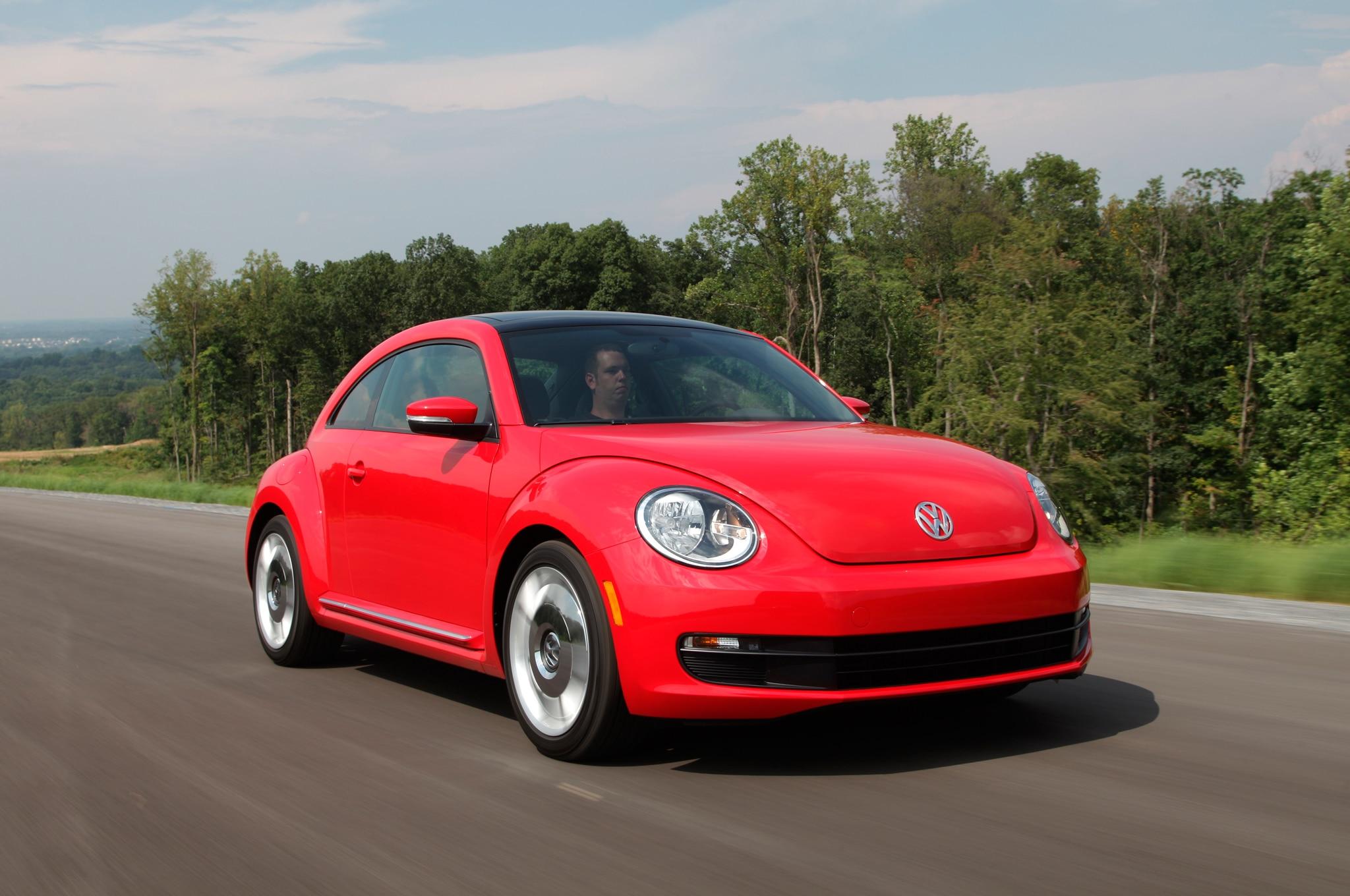 2016 Volkswagen Beetle Front Three Quarter In Motion 02