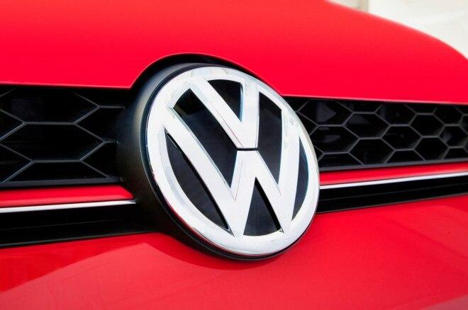 2015 Volkswagen Golf GTI front badge