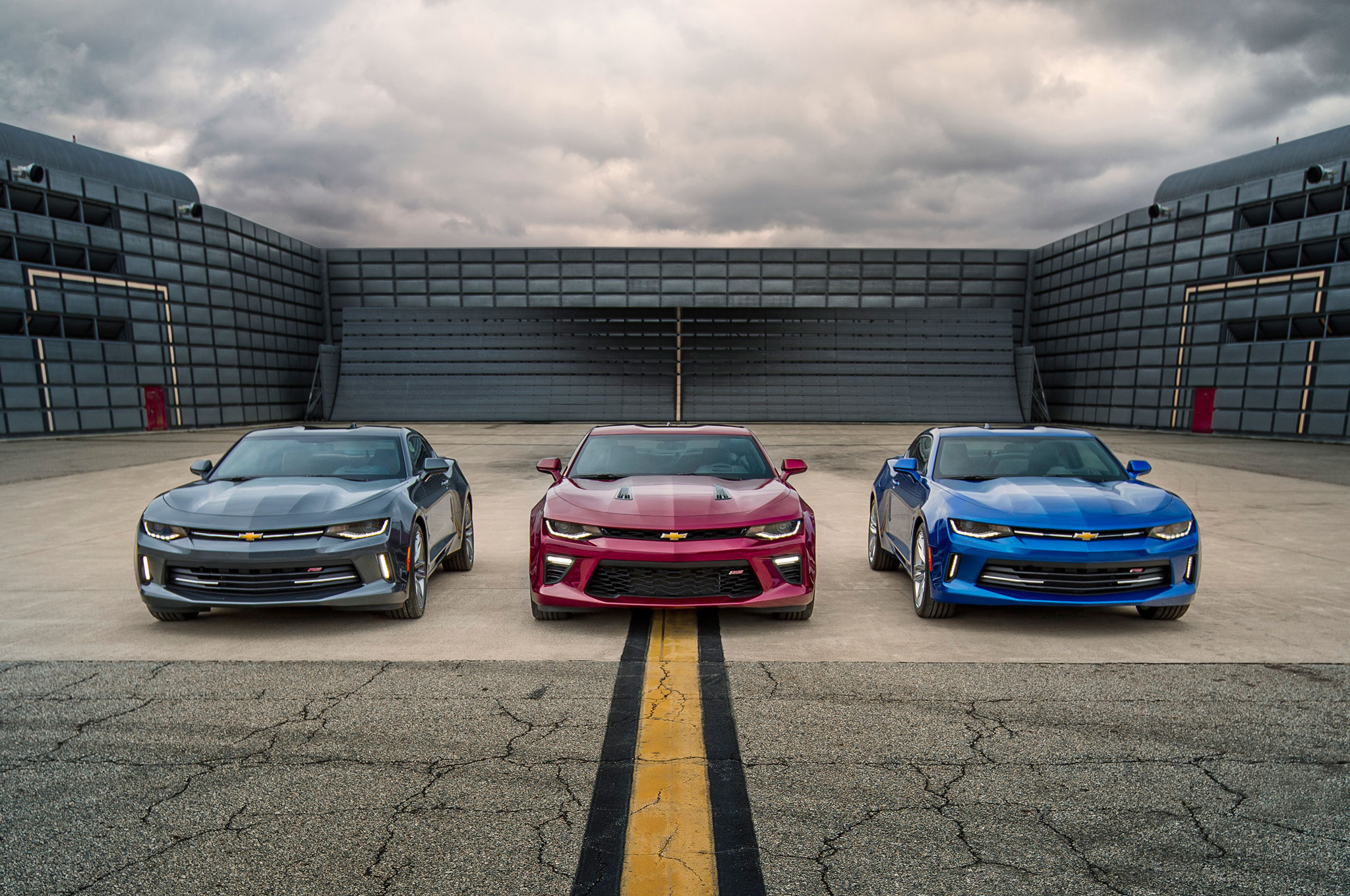 Chevrolet Camaro Named 2016 Motor Trend Car of the Year