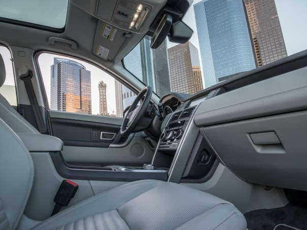 2016 Land Rover Discovery Sport HSE interior view