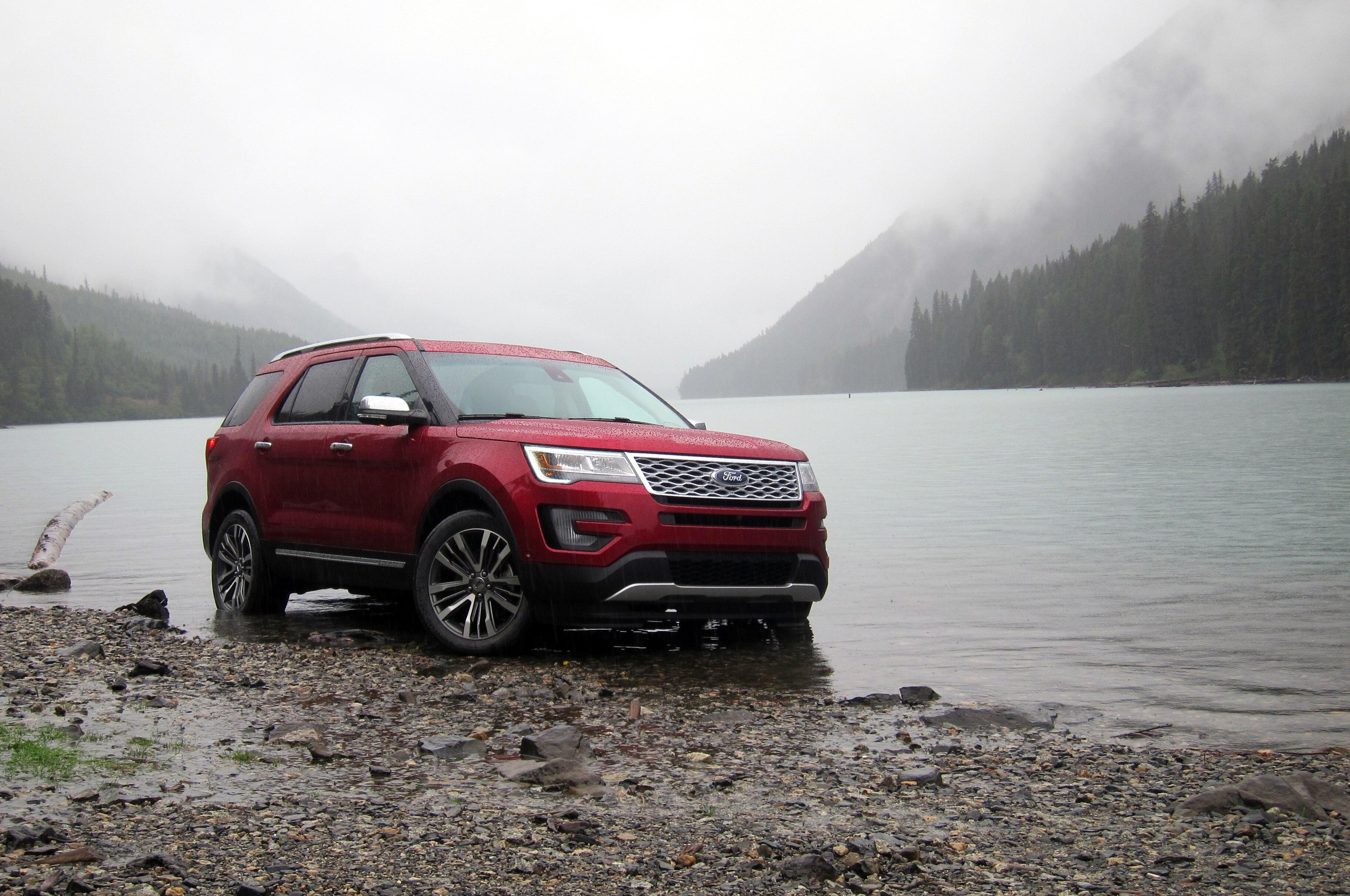 2016 Ford Explorer Platinum Canada 10