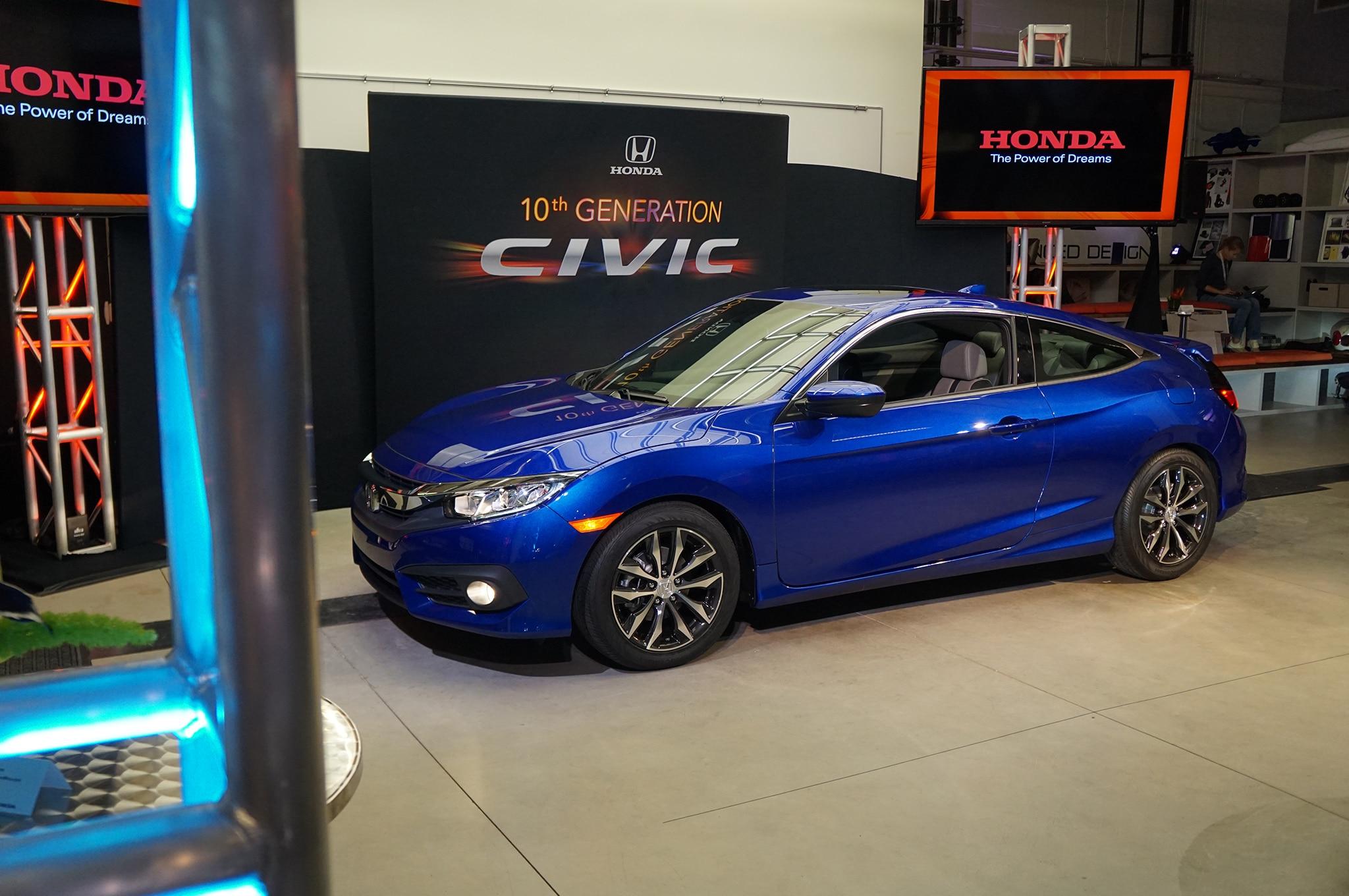 2016 Honda Civic Coupe Reveal Front Three Quarters2
