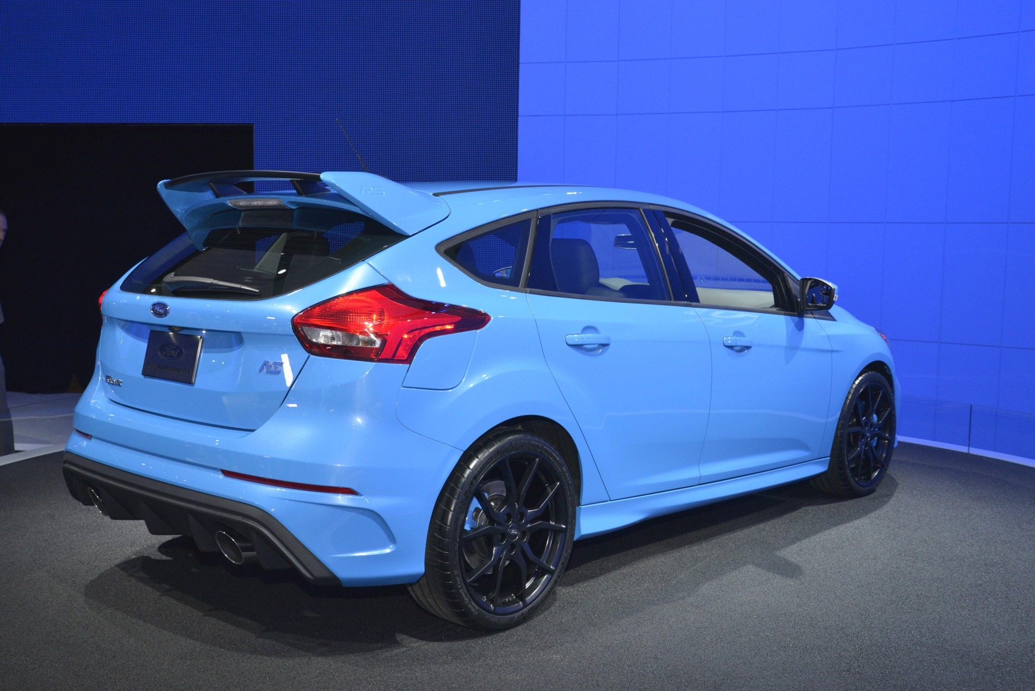 the 2016 ford focus rs gets an advanced torque vectoring. Black Bedroom Furniture Sets. Home Design Ideas