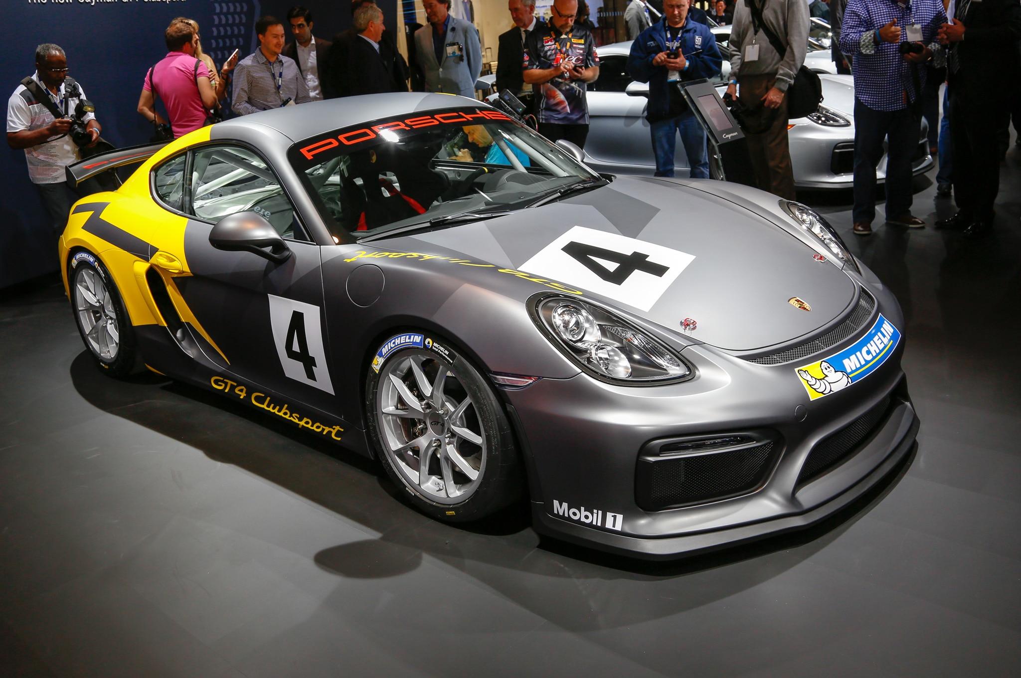 Porsche Cayman GT4 Clubsport Front Three Quarter 02